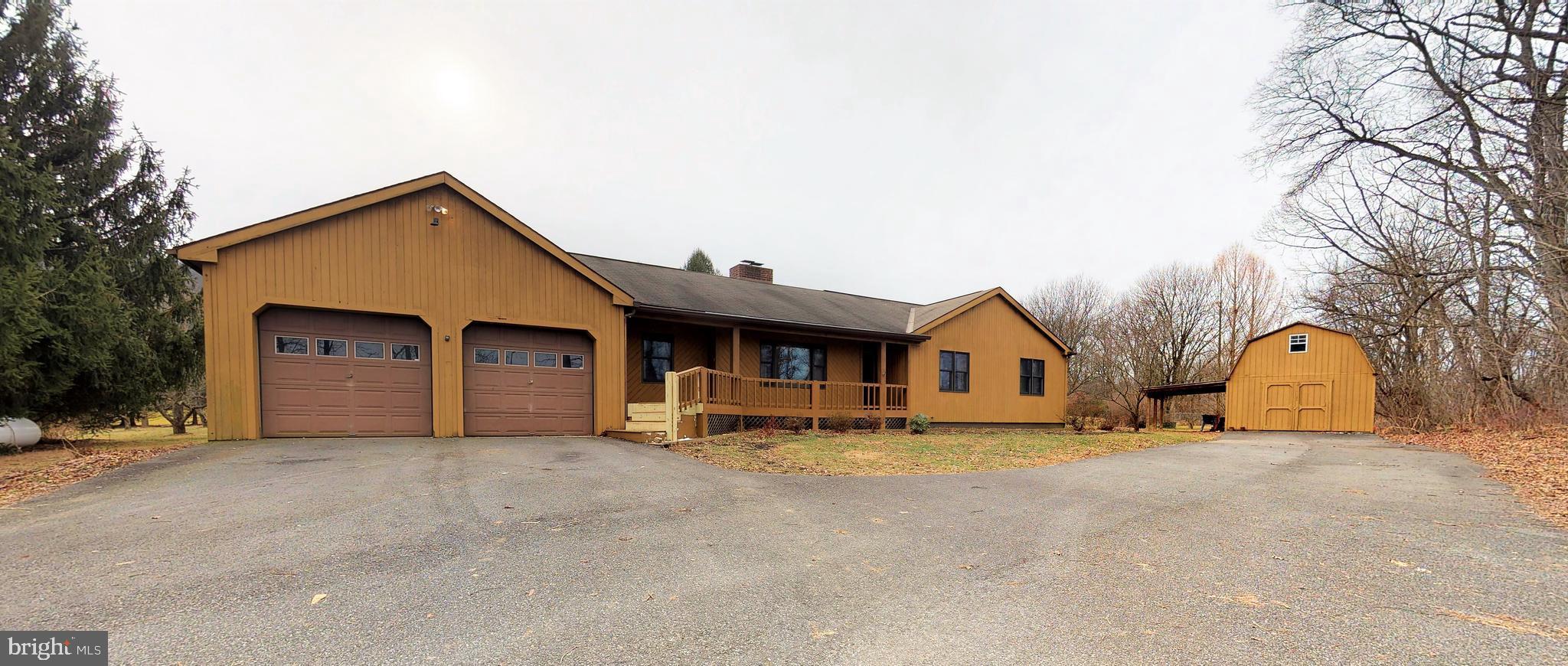 3916 GEHMAN ROAD, MACUNGIE, PA 18062