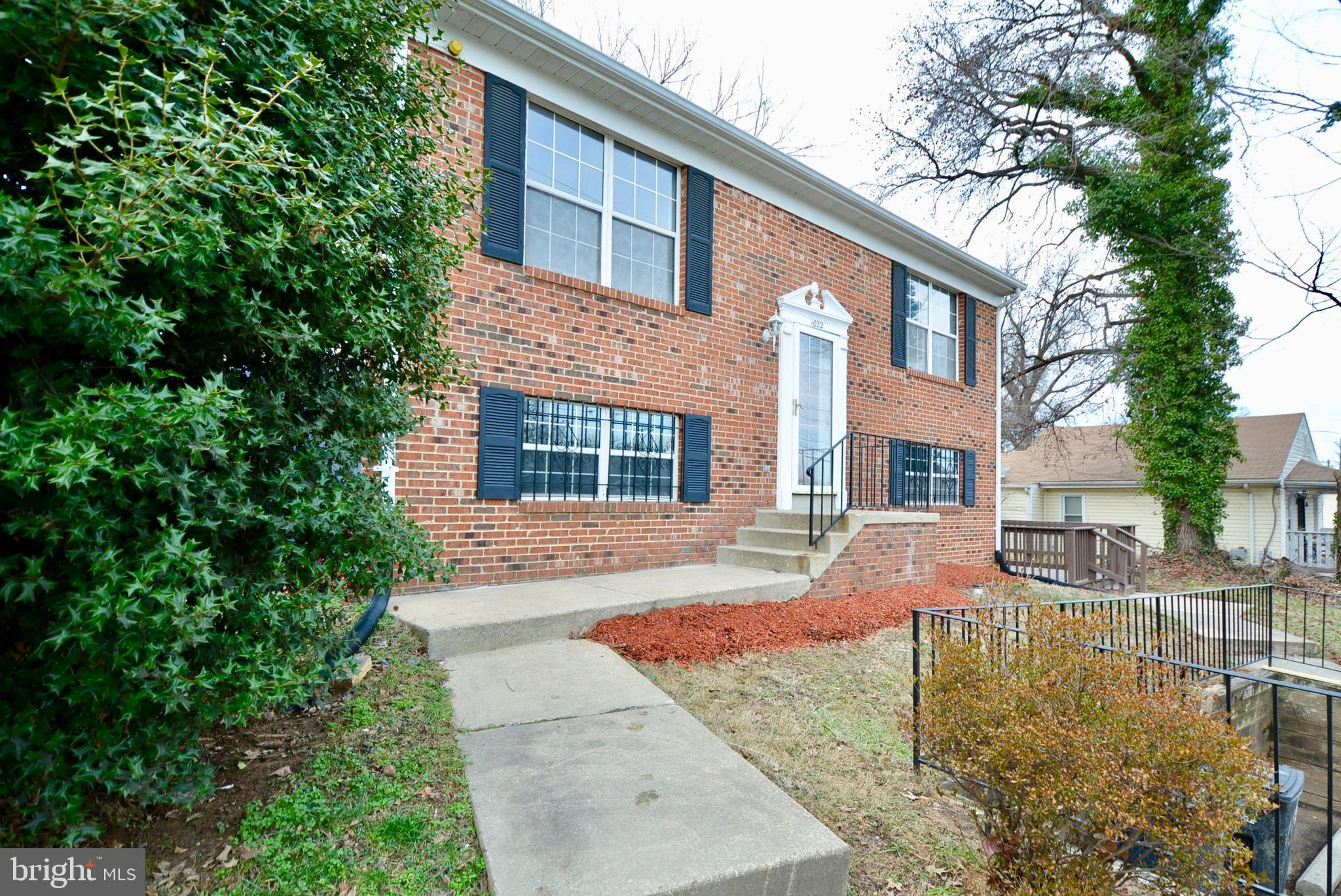 1022 CEDAR HEIGHTS DRIVE, CAPITOL HEIGHTS, MD 20743