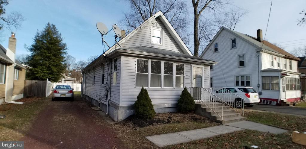 1024 Mount Holly Road, Beverly, NJ 08010