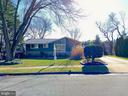 2727 Bowling Green Dr