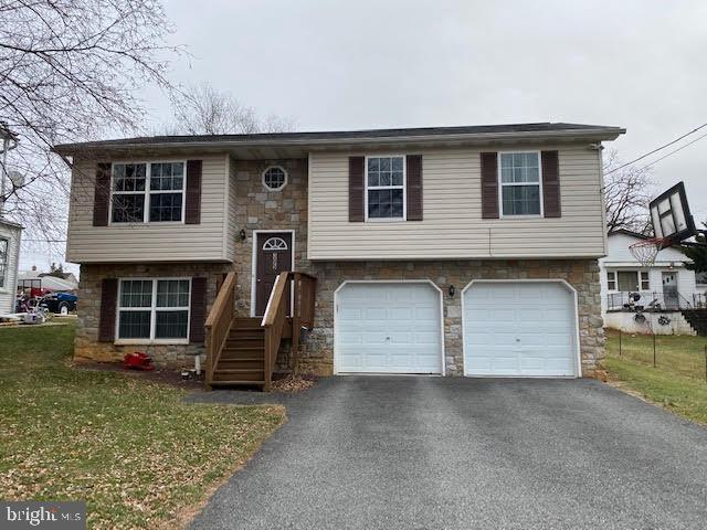 305 S CHARLES STREET, DALLASTOWN, PA 17313