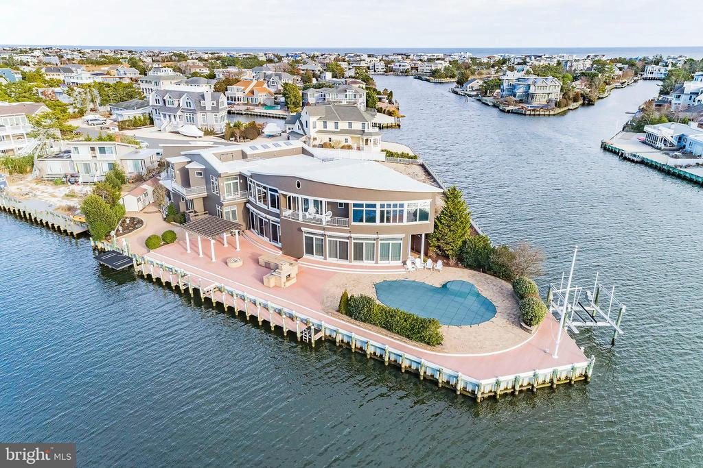 333  CRANBERRY DRIVE, Long Beach Island, New Jersey