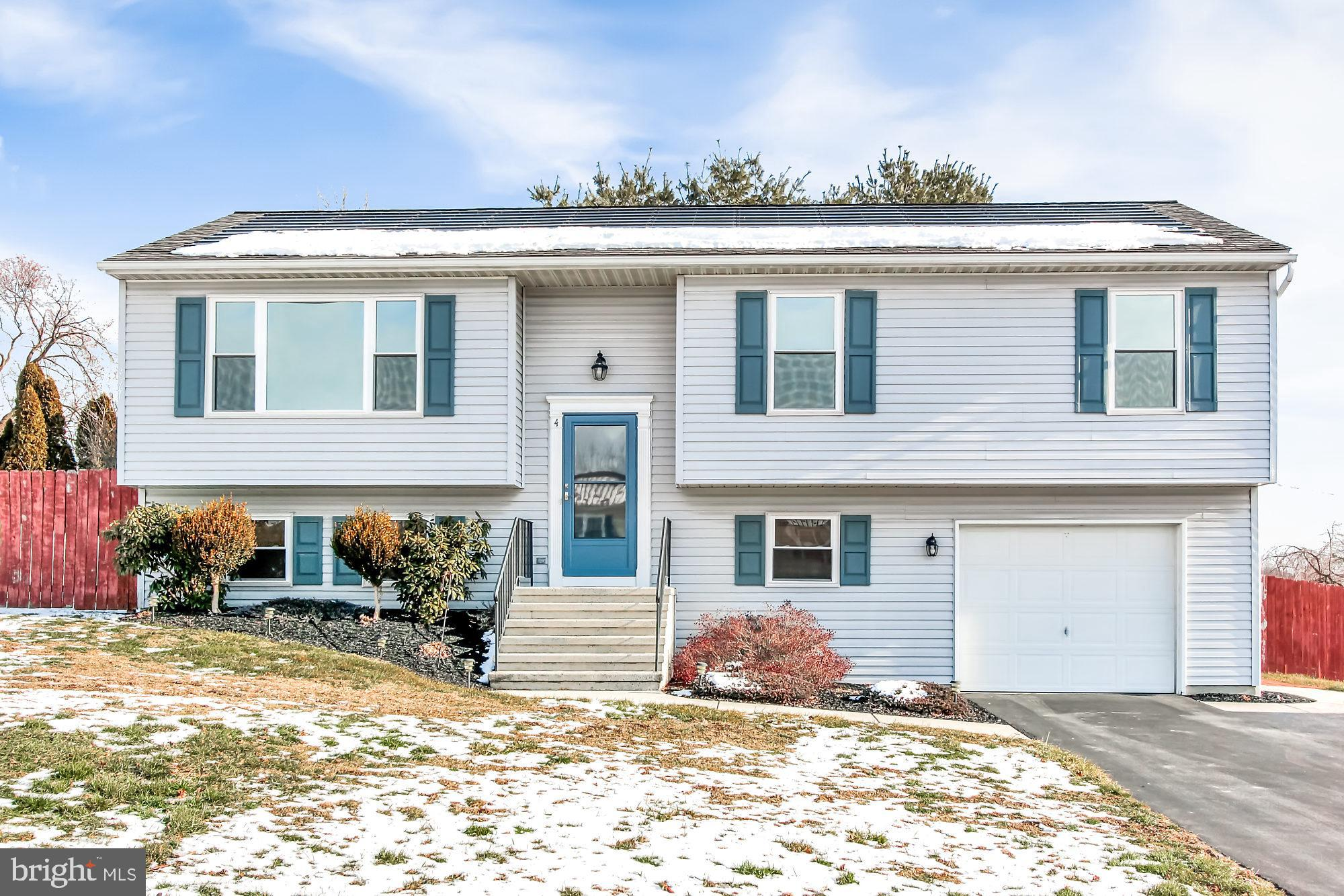 4 SIR WILLIAM DRIVE, NEWVILLE, PA 17241
