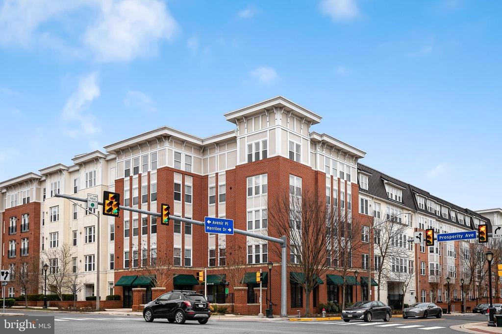 2655 Prosperity Ave #127, Fairfax, VA 22031