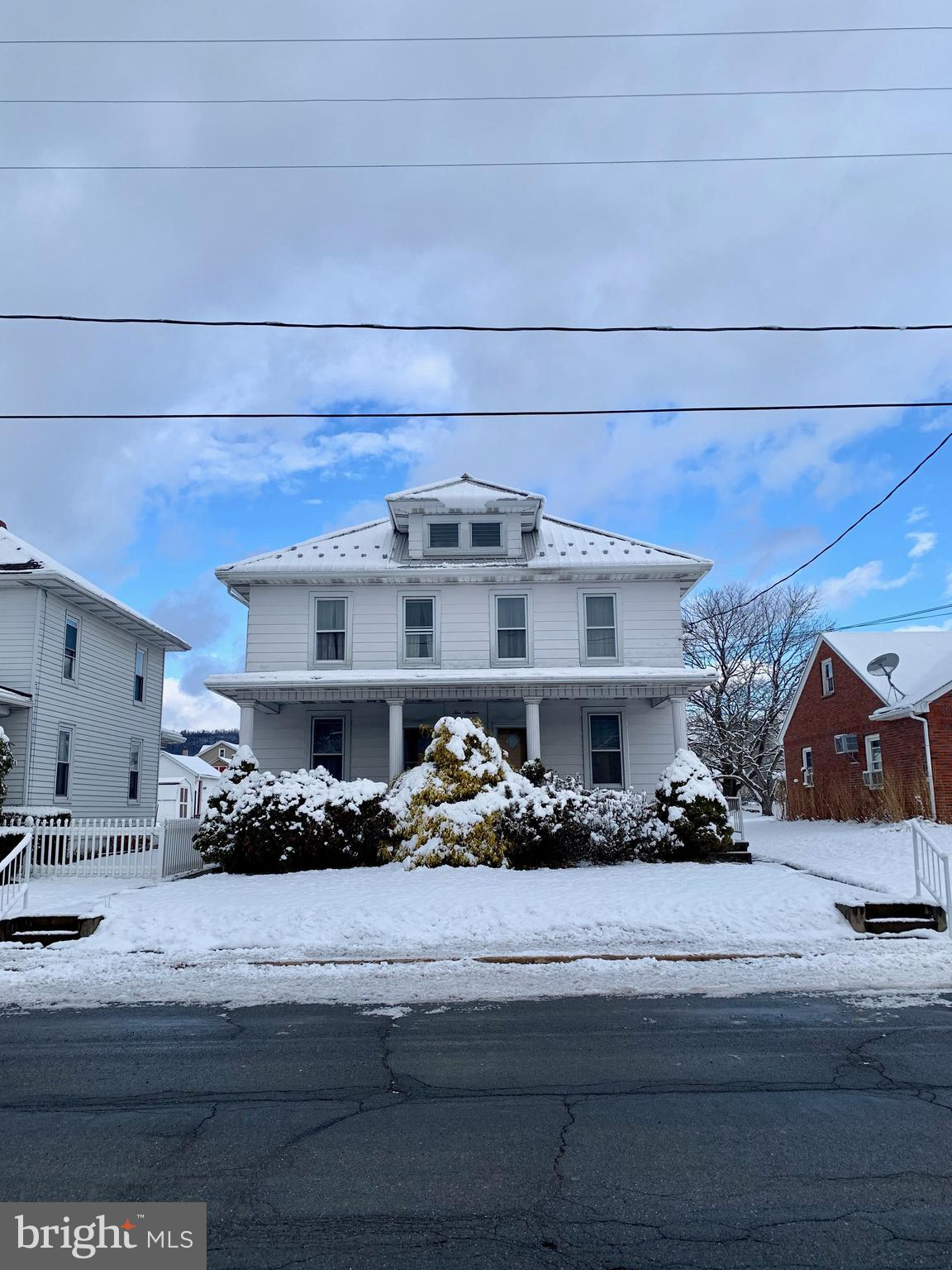 1016 W MAPLE STREET, VALLEY VIEW, PA 17983