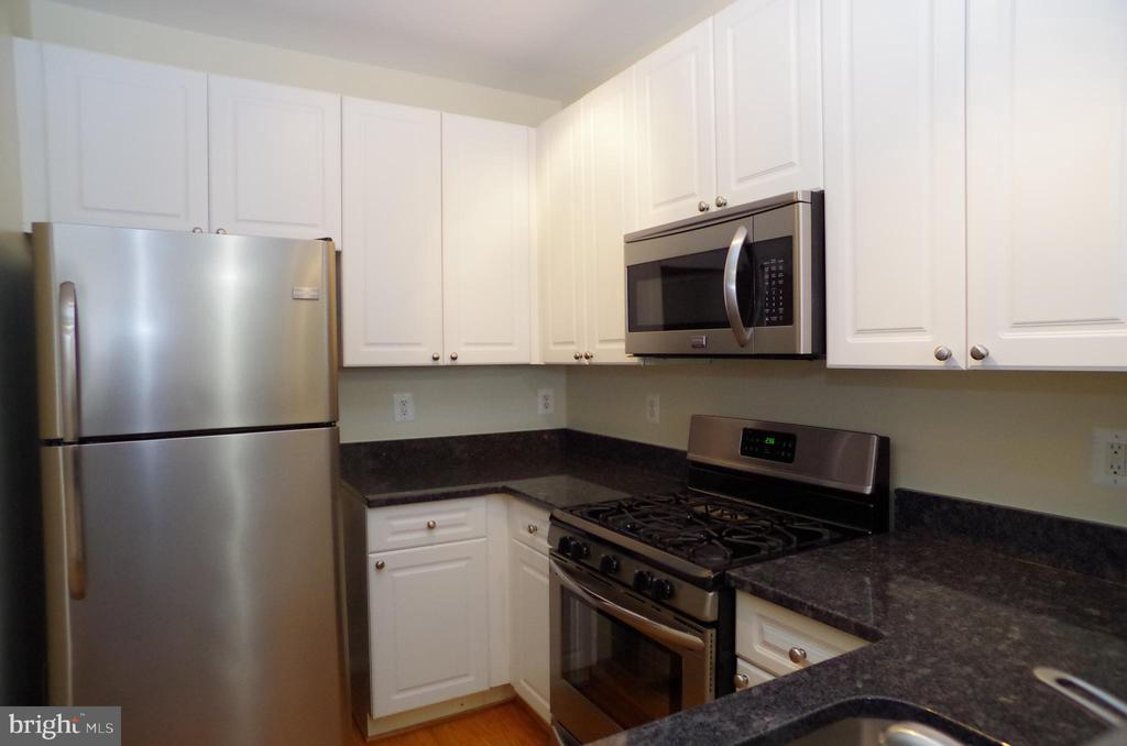 Photo of 4951 Brenman Park Dr #303