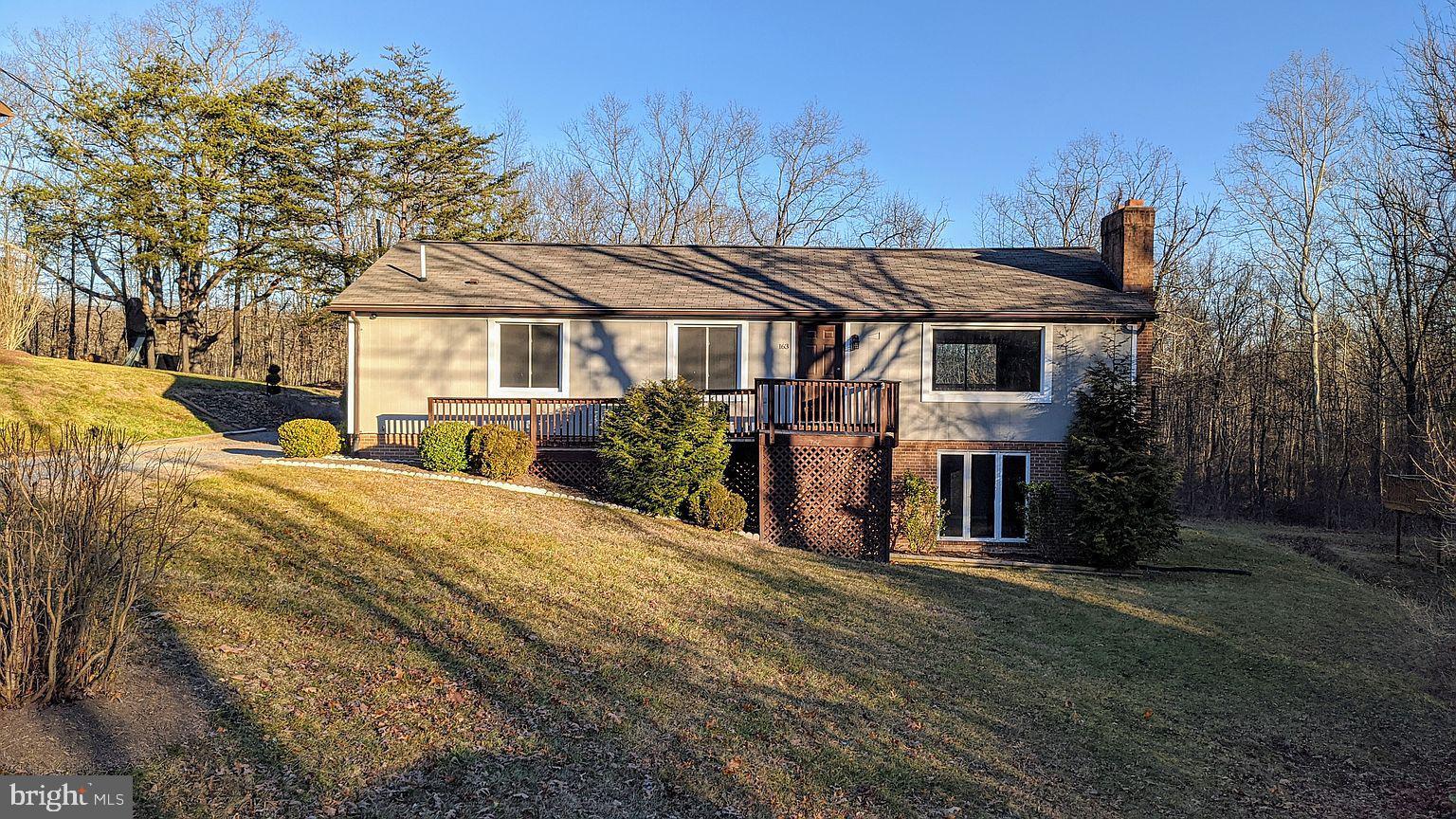 163 Lake Holiday Rd, Cross Junction, VA, 22625