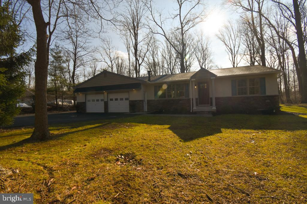 1139 ROUNDHOUSE ROAD, KINTNERSVILLE, PA 18930