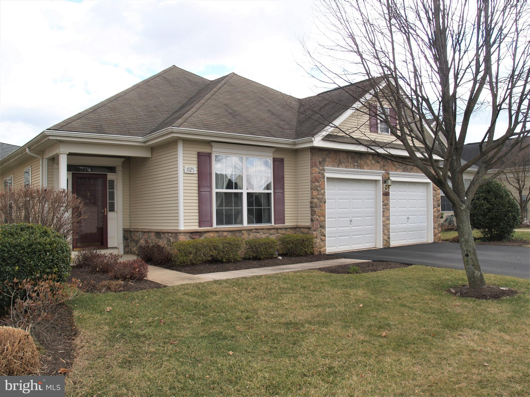 1925 ALEXANDER DRIVE I-13, MACUNGIE, PA 18062