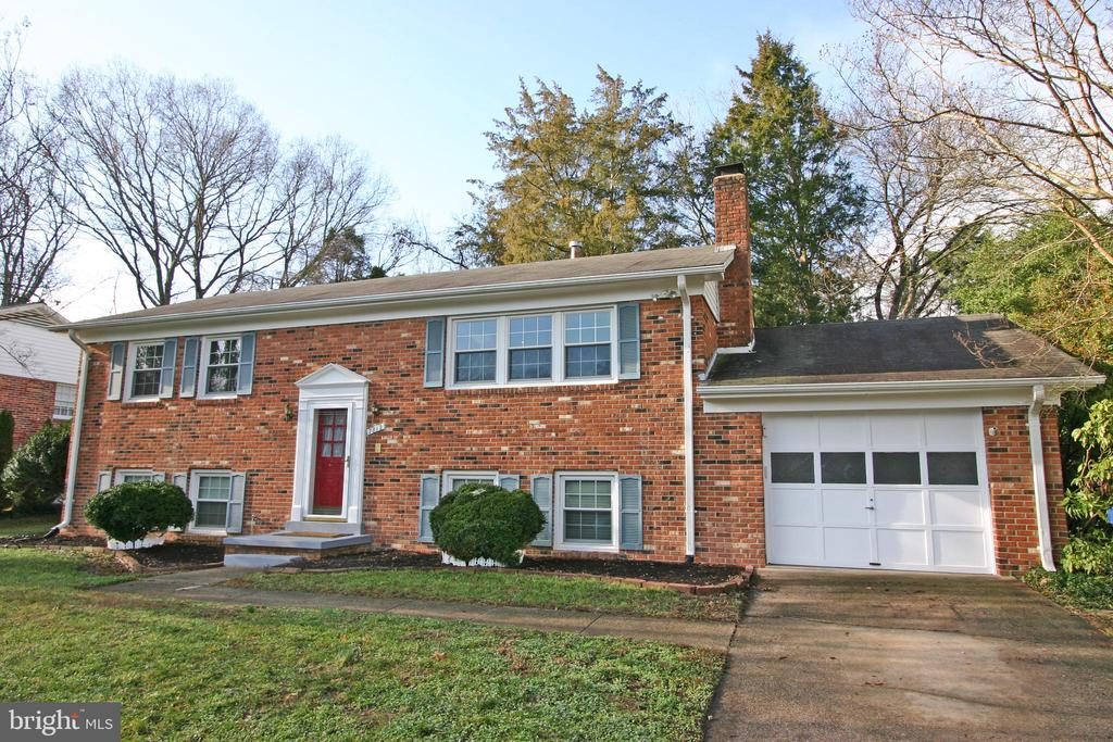 7812  FRIARS COURT 22306 - One of Alexandria Homes for Sale