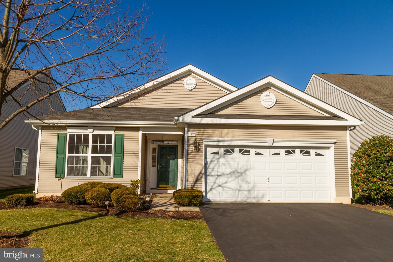 1809 ALEXANDER DRIVE, MACUNGIE, PA 18062