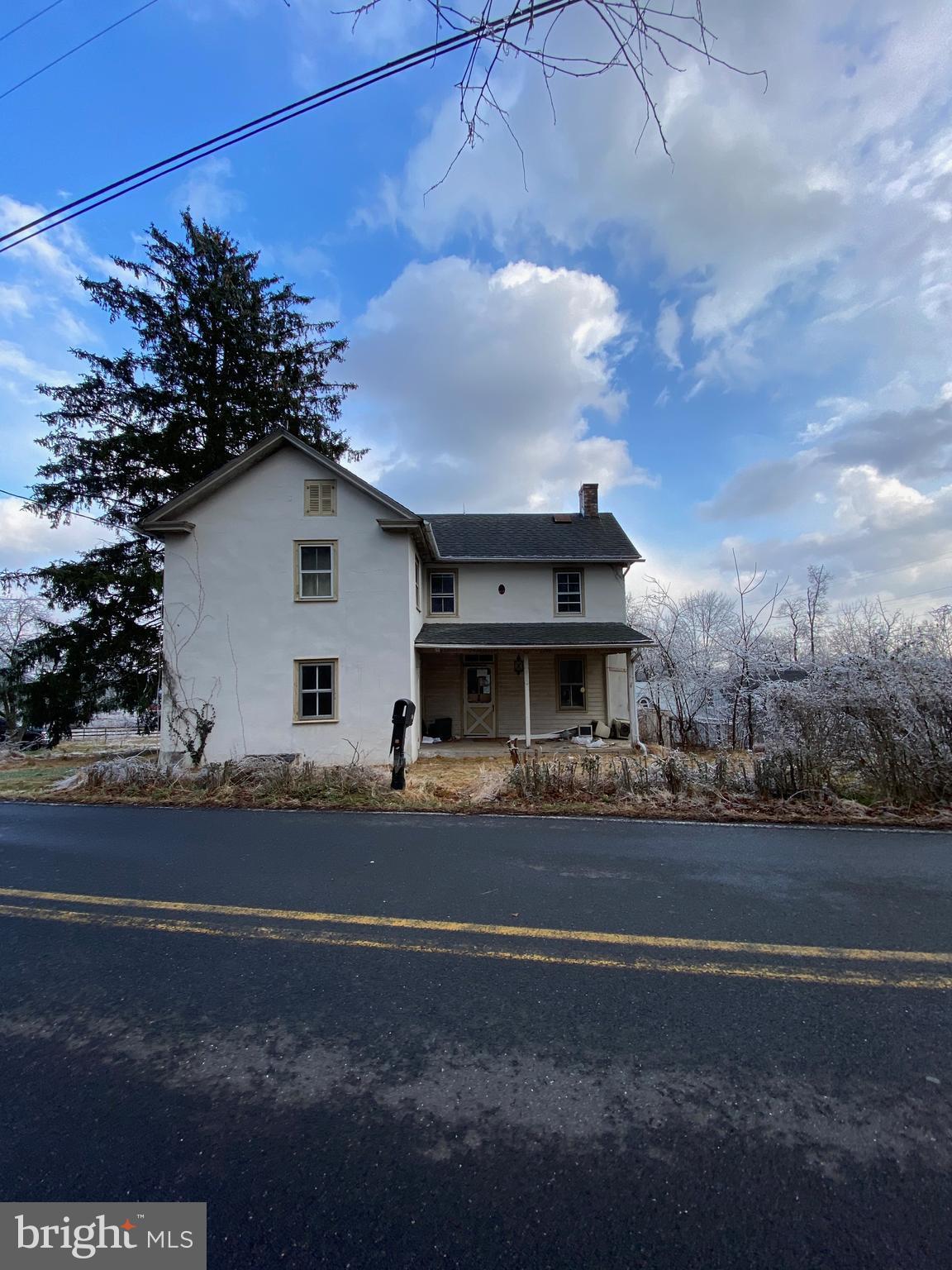 2229 GALLOWS HILL ROAD, KINTNERSVILLE, PA 18930