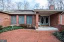 5916 Hallowing Dr