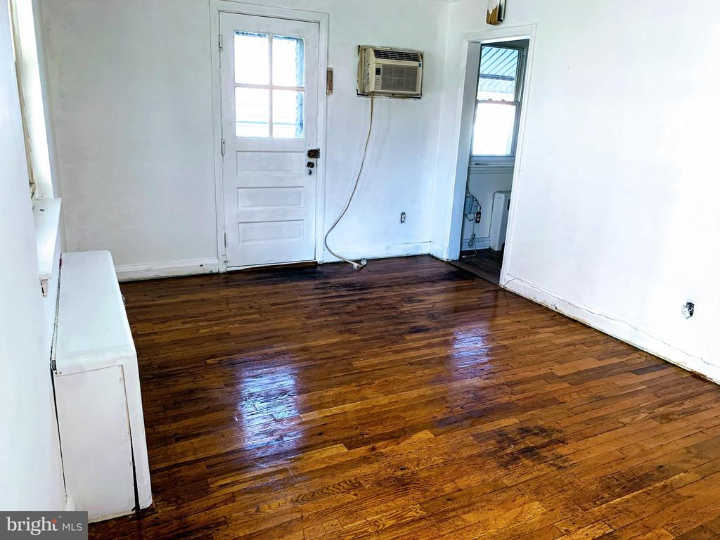 8607 CHESTNUT OAK ROAD, PARKVILLE, BALTIMORE Maryland 21234, 1 Bedroom Bedrooms, ,1 BathroomBathrooms,Residential Lease,For Rent,CHESTNUT OAK,1,MDBC480738