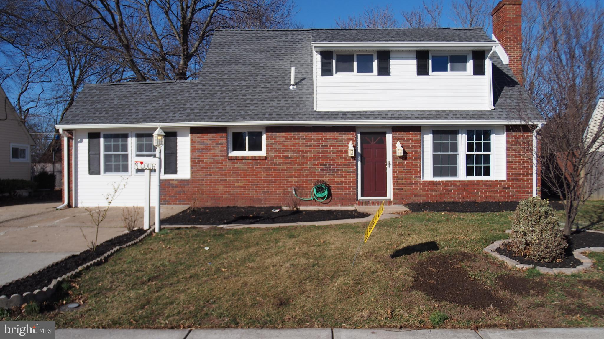 21 N COURT LANE, LEVITTOWN, PA 19054