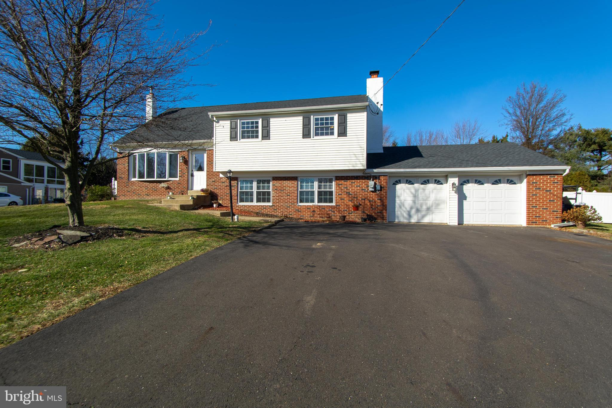 445 TWINING FORD ROAD, RICHBORO, PA 18954