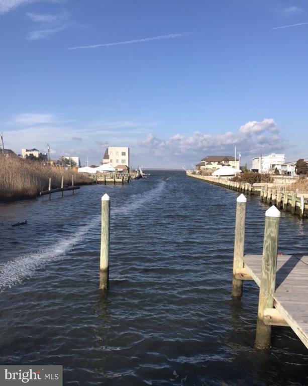 2 S LAGOON DRIVE, Long Beach Island, New Jersey