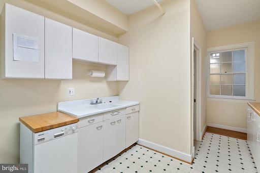 92 Main #suite 202-7 Warrenton VA 20186