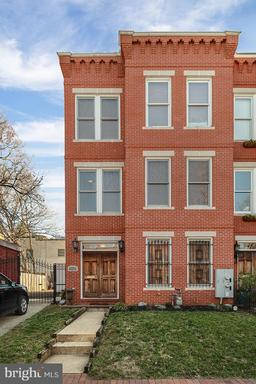 Property for sale at 302 12Th St Se, Washington,  District of Columbia 20003