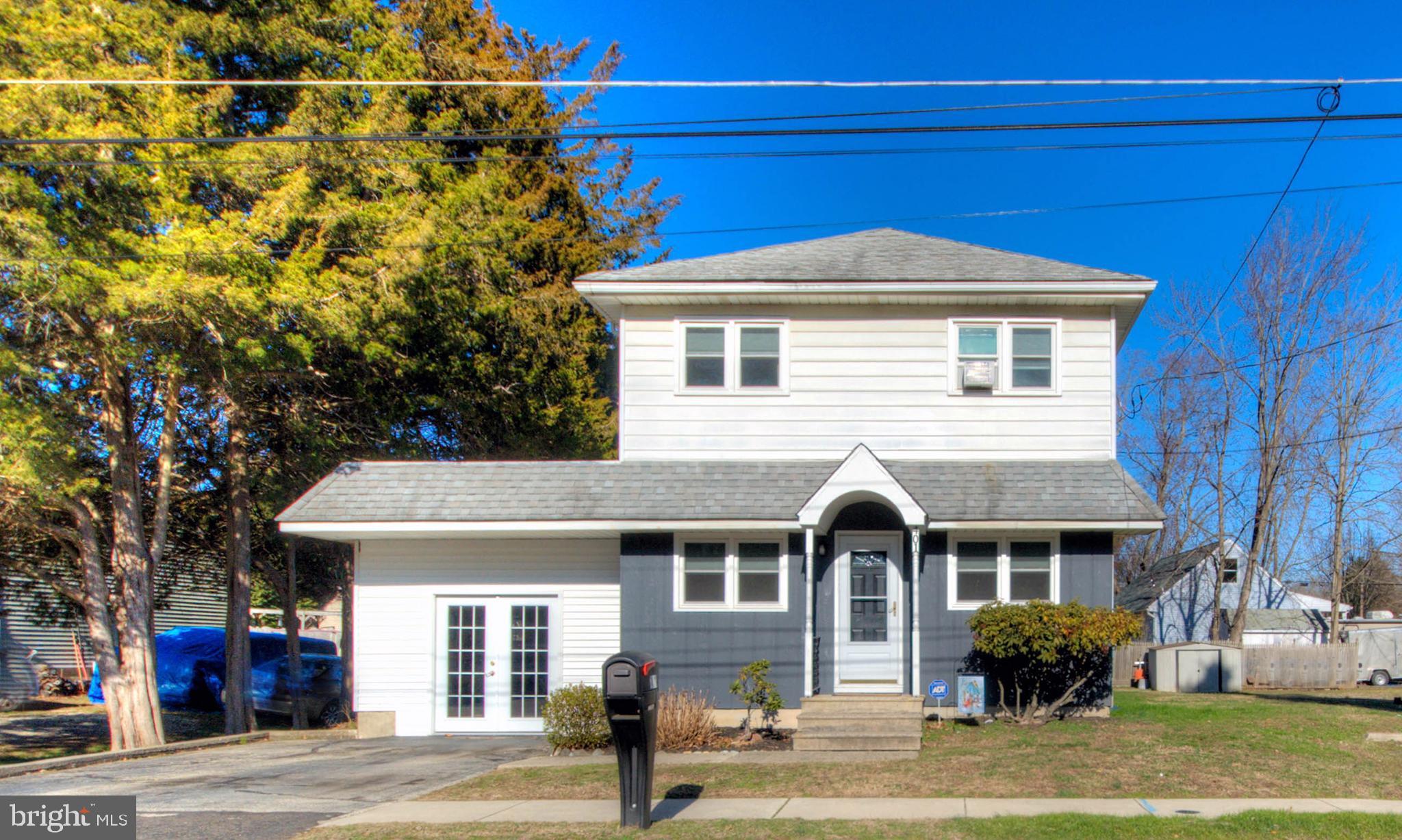 401 W CHESTNUT STREET, CLAYTON, NJ 08312