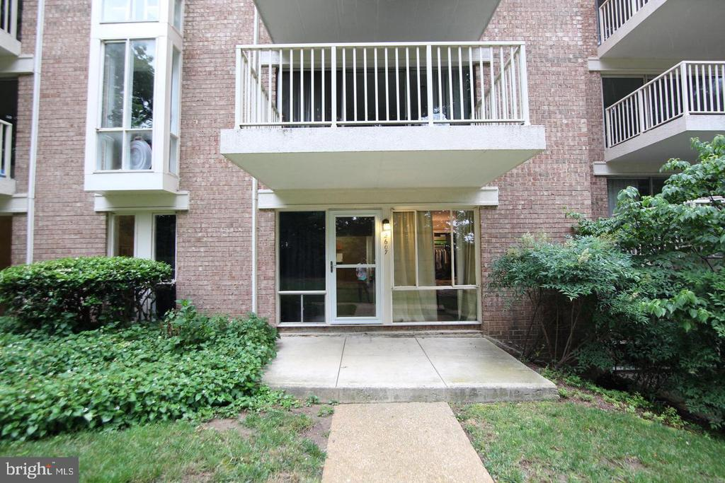 Photo of 2607 Redcoat Dr #251