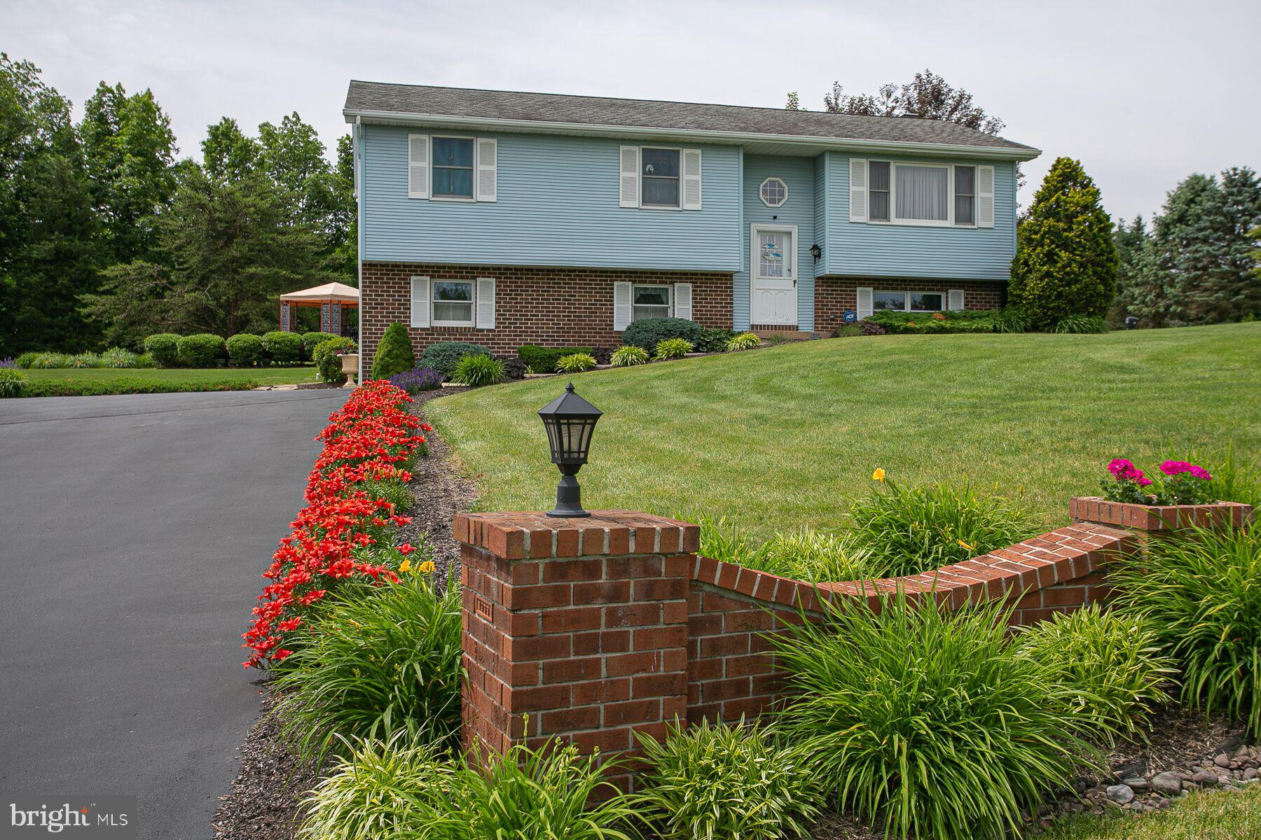762 SLEEPY HOLLOW DRIVE, MOHRSVILLE, PA 19541