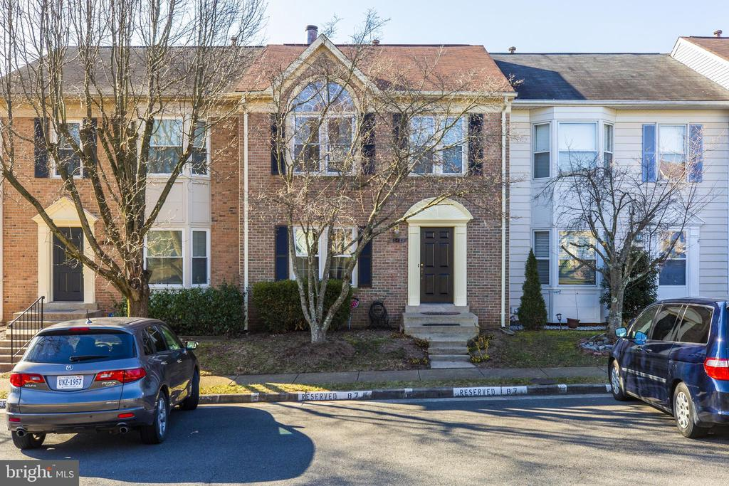 5264 Glen Meadow Dr, Centreville, VA 20120
