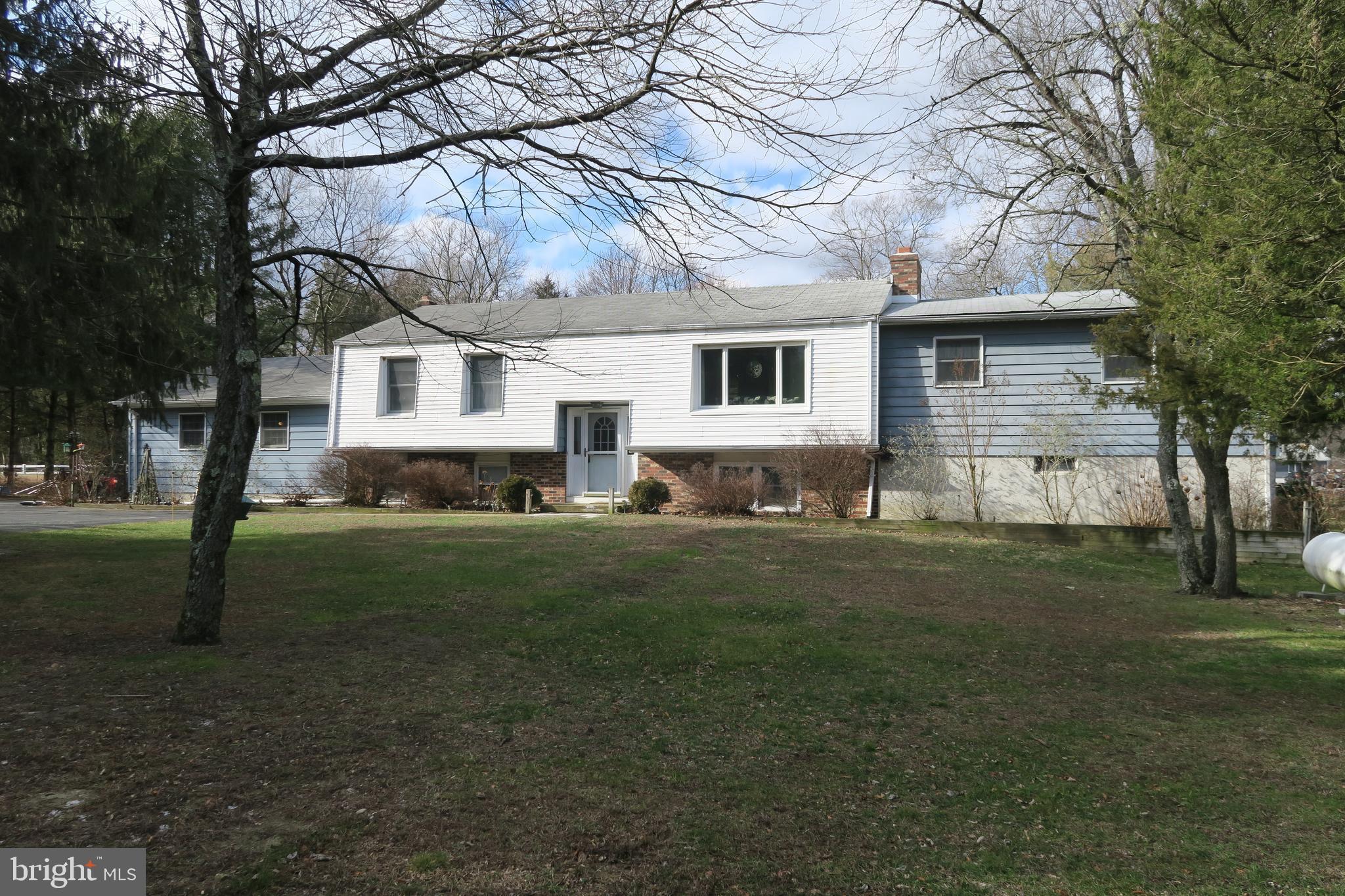 864 MONMOUTH ROAD, CREAM RIDGE, NJ 08514