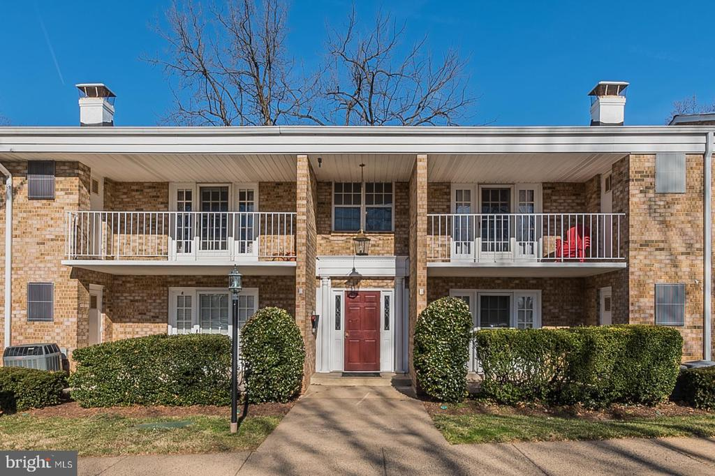 1138 S WASHINGTON STREET  201, Falls Church, Virginia