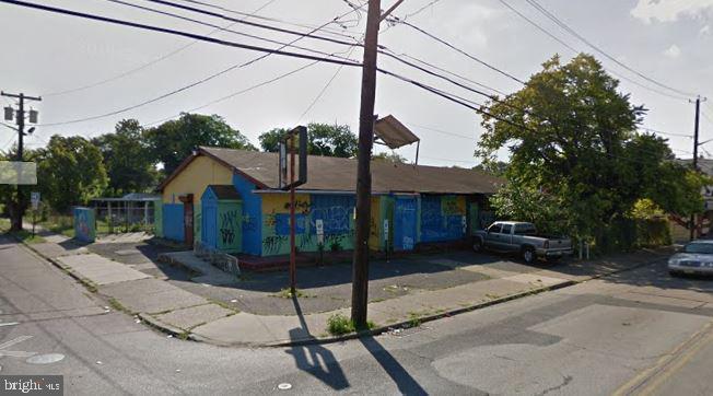 2722 THOMPSON STREET, CAMDEN, NJ 08105