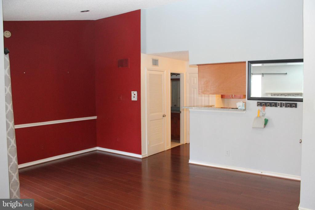 Photo of 1515 Lincoln Way #301
