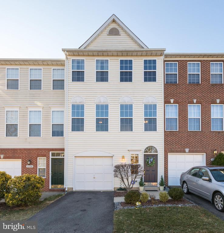 5232  BALLYCASTLE CIRCLE 22315 - One of Alexandria Homes for Sale
