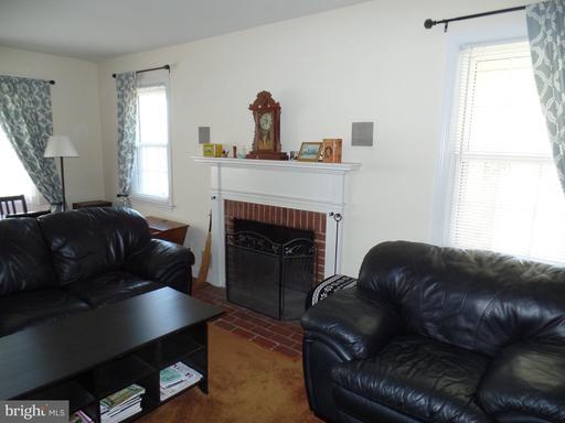 1708 Olney Rd, Falls Church 22043