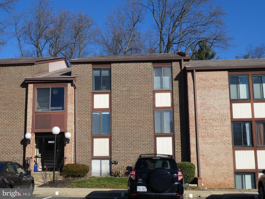 9802  KINGSBRIDGE DRIVE  202, Fairfax, Virginia