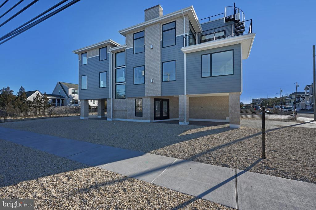 1  VIRGINIA, Long Beach Island in OCEAN County, NJ 08008 Home for Sale