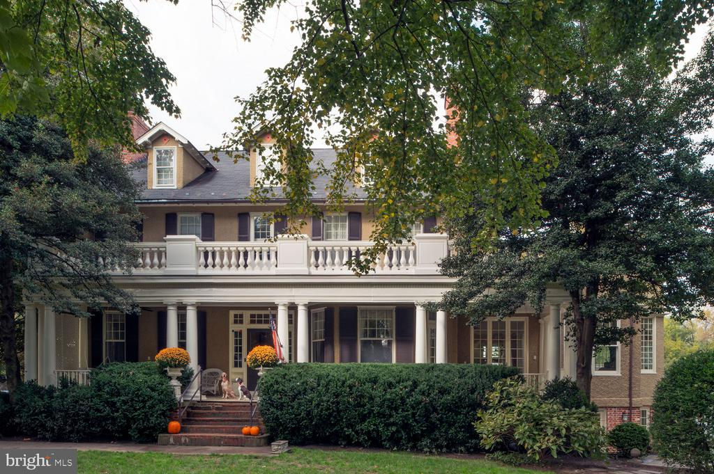1 W Melrose St, Chevy Chase, MD 20815