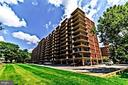1300 Army Navy Dr #105