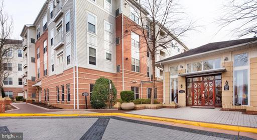 9480 Virginia Center Blvd #127, Vienna, VA 22181