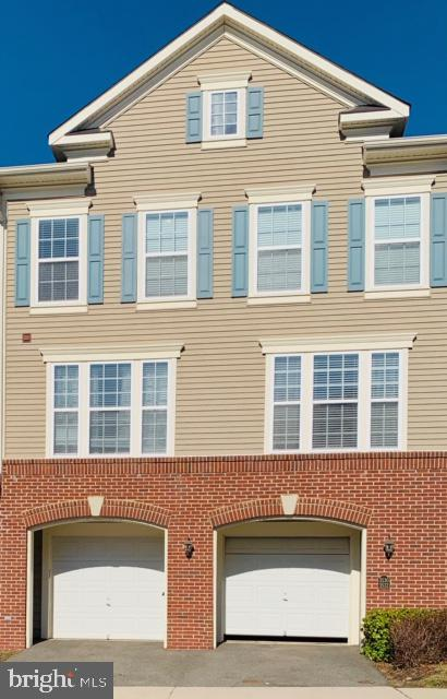 3530 Huntley Manor Ln #129b, Alexandria, VA 22306
