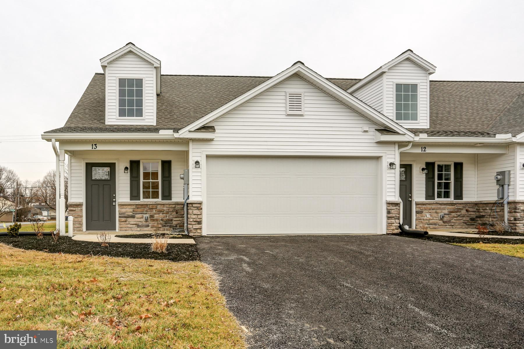 13 GROUP COURT, MOUNT HOLLY SPRINGS, PA 17065