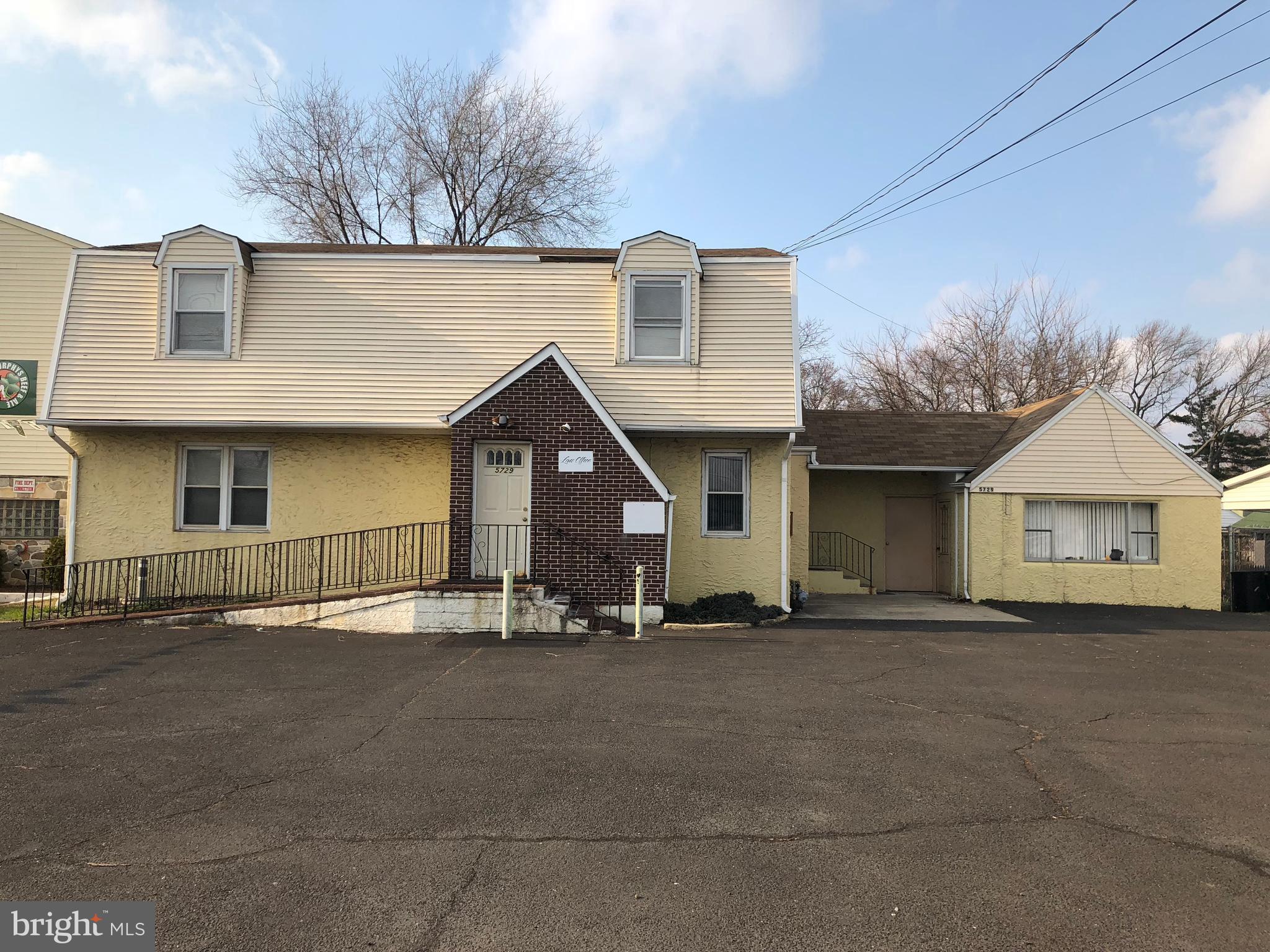 5729 EMILIE ROAD, LEVITTOWN, PA 19057