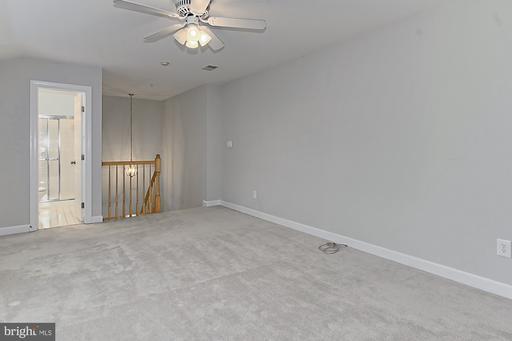 12201 Fairfield House Dr #610a, Fairfax 22033