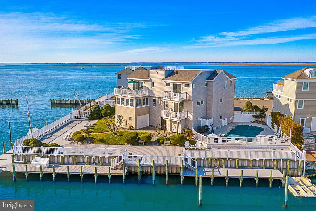 142 W NEWPORT, Long Beach Island, New Jersey