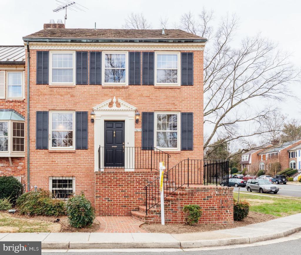 1615  BELLE HAVEN ROAD, Alexandria, Virginia