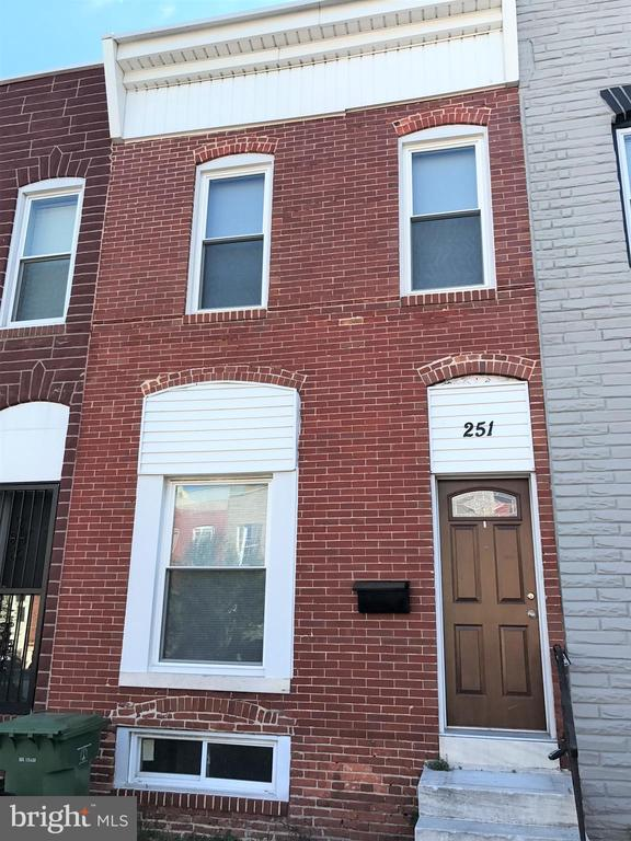 Updated 3 bedroom townhome in Highlandtown boasts an open floorplan with wood flooring and decorative fireplace as well as an updated kitchen featuring stainless steel appliances and convenient breakfast bar. The upper-level master suite offers a classic claw-foot tub with ceramic tile surround plus two additional bedrooms and a shared hall bath.  Washer/dryer and central air for added comfort and convenience.Pets welcome with additional deposit.Proof of renter~s insurance required.Application Qualifications: Minimum income of 3 times the monthly rent, no evictions or recent filings, and a clean criminal background check.