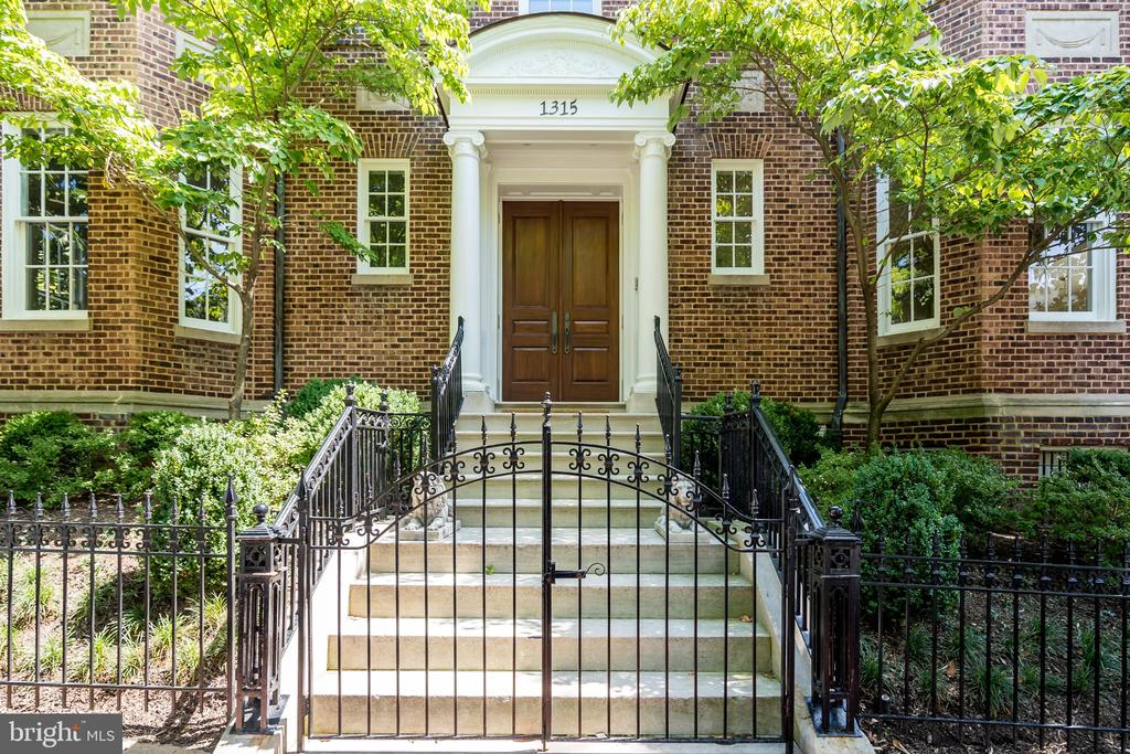 Completely detached - and one of only two houses on the block - this thoroughly and masterfully restored home lives like a Kalorama estate situated in the heart of prestigious Georgetown. Boasting over 7,000 square feet of interior space (plus a 550 sq. ft. attached garage), this turn-key home offers grand spaces for large-scale entertaining, yet is well-proportioned for comfortable and practical family living. Highlights include soaring ceilings, a grand entry foyer, a formal living room, and a family or dining room. The French doors adorning the spacious and light-filled eat-in kitchen lead to a  gorgeous private patio and garden. With 6 bedroom suites, a home gym, media room, an elevator to all 4 levels, and an attached garage, this home offers the discerning home-buyer everything and more, all within walking distance of Georgetown's vibrant and historic shops, restaurants, and waterfront. This one is not to be missed.