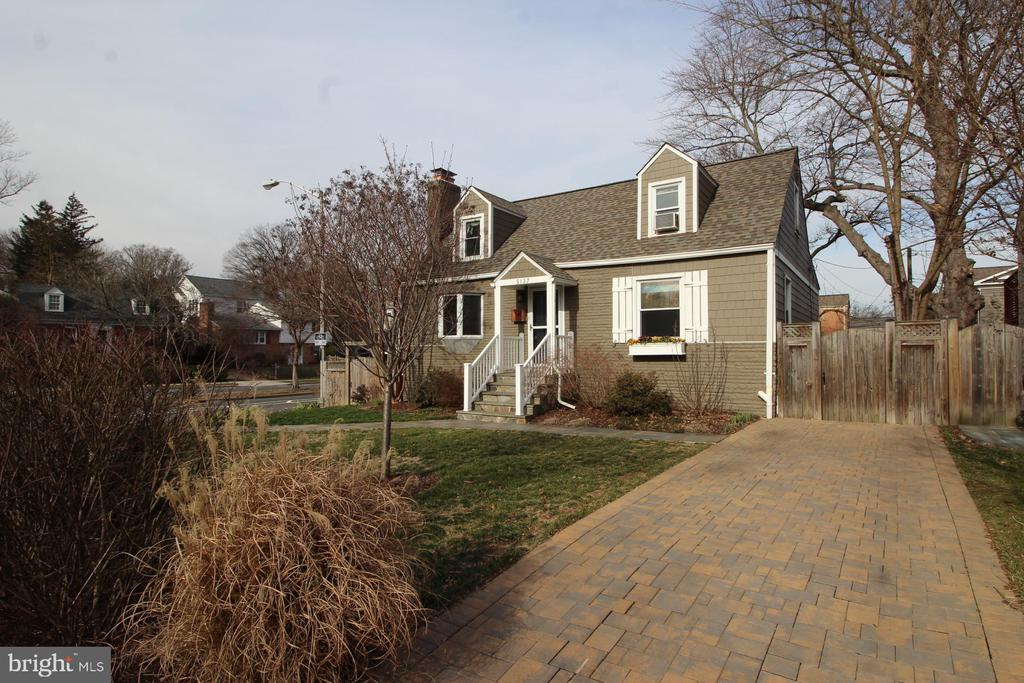 Photo of 5137 25th Pl N