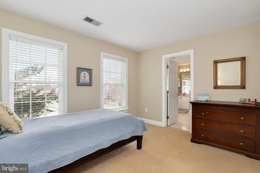 4500 Rachael Manor Dr, Fairfax 22032