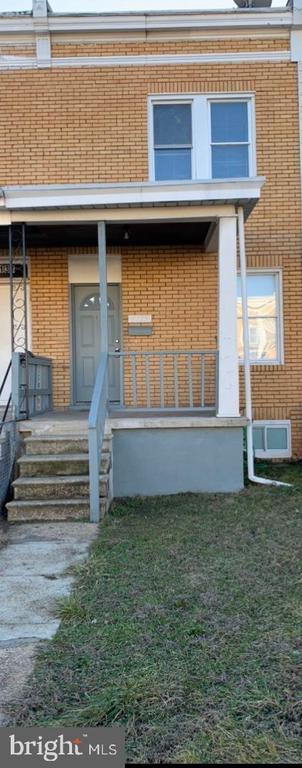 Renovated townhouse 3 levels (to include finished basement), 3 beds, 1 full bath.  Property shows well!