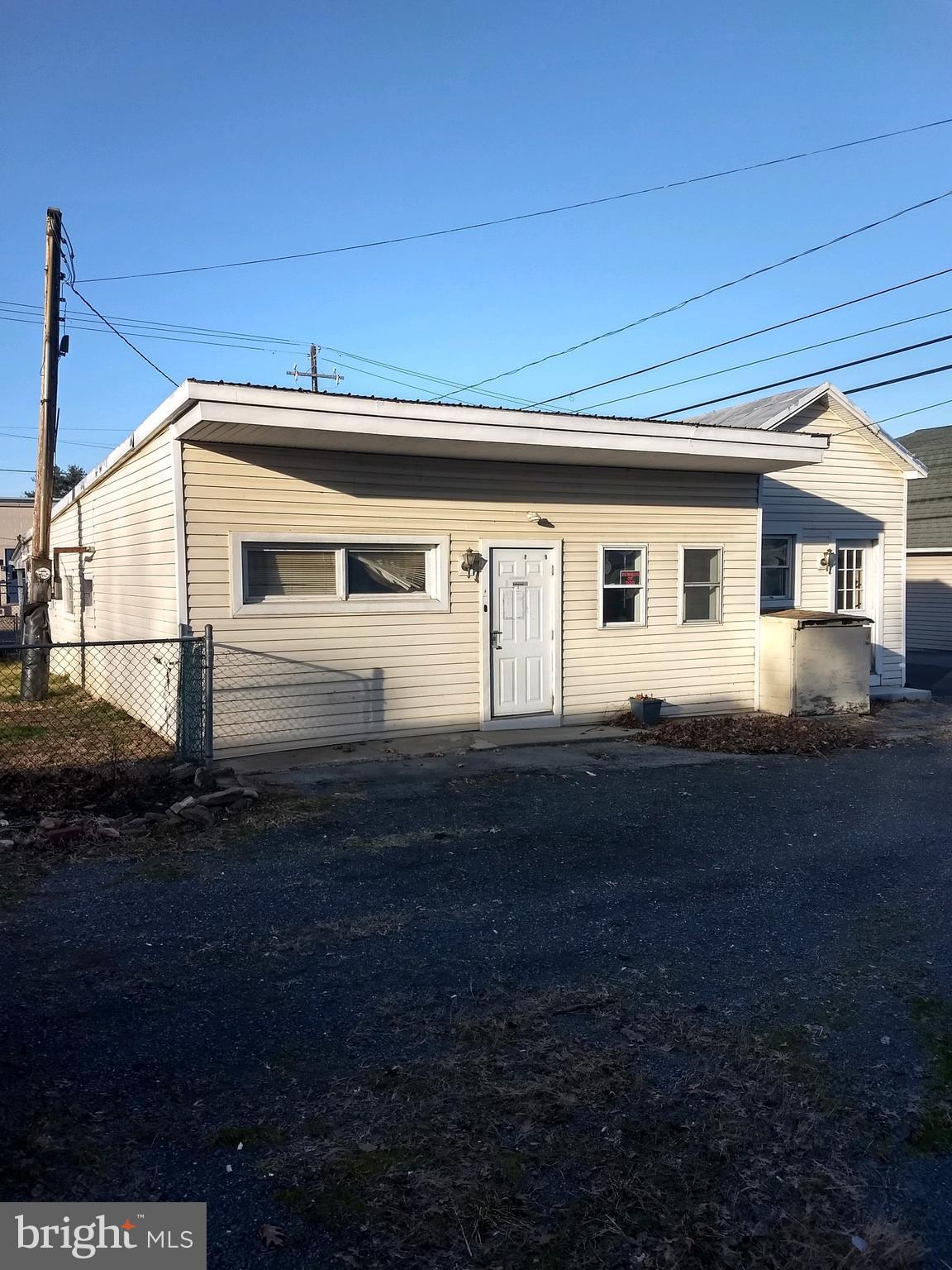 445 FICKES LANE, NEWPORT, PA 17074